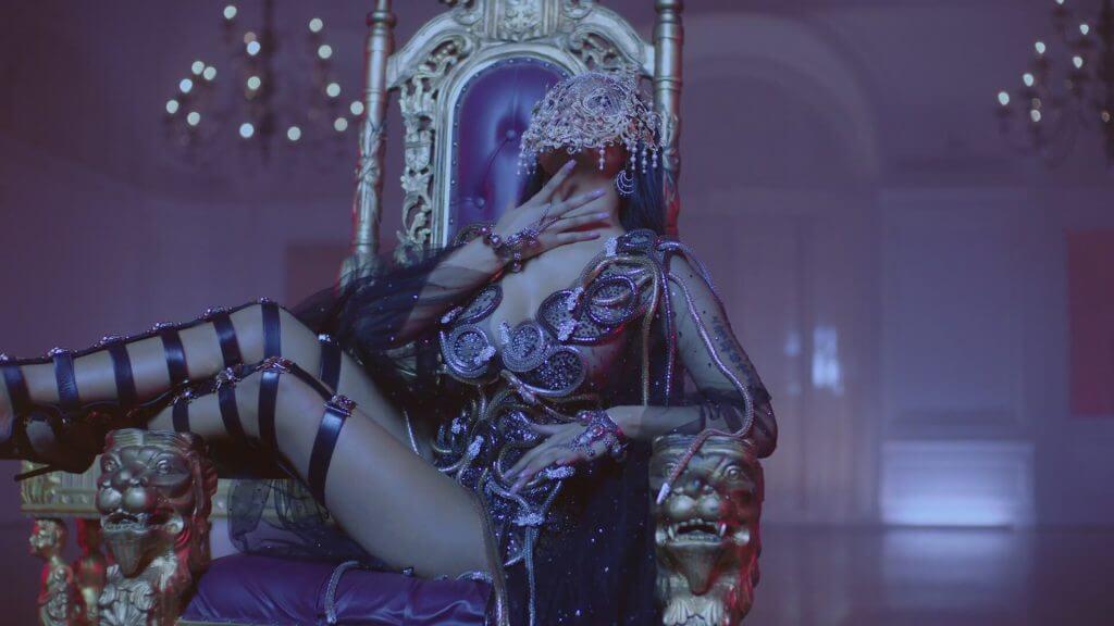 Nicki Minaj, Drake, Lil Wayne – No Frauds Music video by Nicki Minaj, Drake, Lil Wayne performing No Frauds. https://twitter.com/nickiminaj