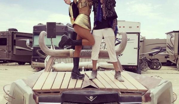 Paris Hilton, Burning Man Festivali'nde.