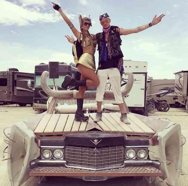 Paris Hilton, Burning Man Festivali'nde.