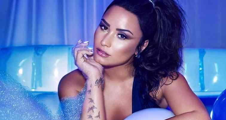 Demi Lovato Yeni Klibinin Setinden Görüntü Paylaştı !