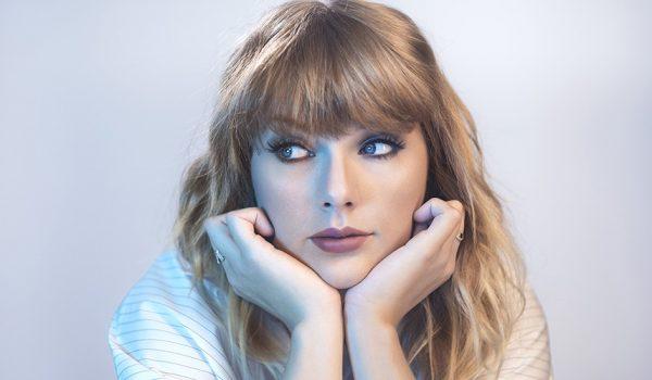 Taylor Swift müzik ödüllerinde !