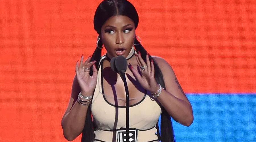 Nicki Minaj iki ödül birden aldı.