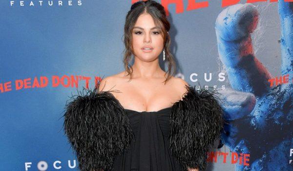 Selena Gomez galanın gözdesi.