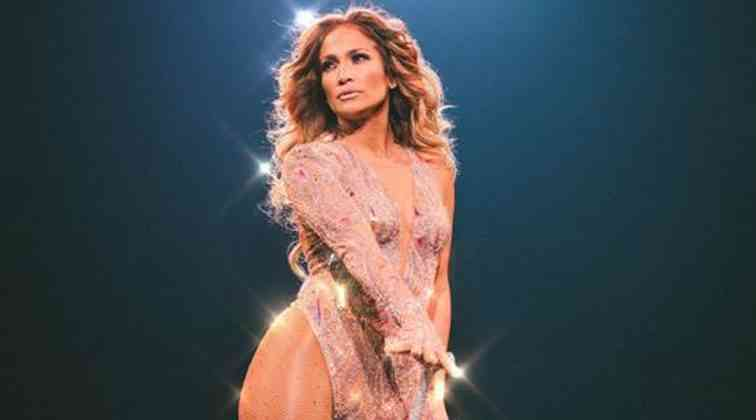 Jennifer Lopez TikTok videosuyla şaşırttı.